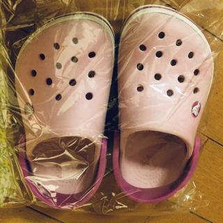 クロックス(crocs)の14-15センチ  クロックス kidsサンダル(サンダル)