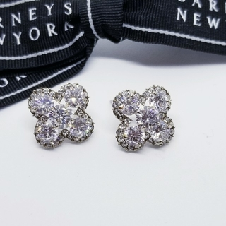 BARNEYS NEW YORK - バーニーズニューヨーク【新品】スワロフスキー 18WGP クリスタル ピアス