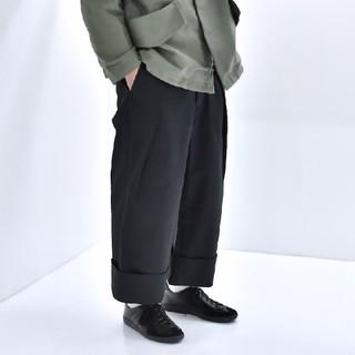 SUNSEA - SOUMO | BIG TUCK CHINO (BLACK