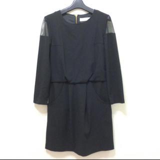 トランテアンソンドゥモード(31 Sons de mode)の美品 未使用 肩シースルー黒ワンピース(ひざ丈ワンピース)
