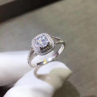 【0.5カラット】豪華感満載輝くモアサナイト ダイヤモンド リング(リング(指輪))