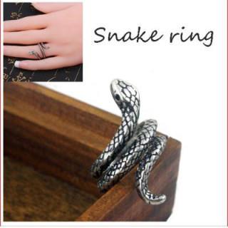 シルバー レディース 蛇 指輪 スパイラル スネーク レトロ ヴィンテージ風(リング(指輪))