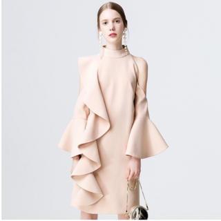 デザインフリルワンピース個性的ドレス二次会結婚式パーティーピンクベージュ(ひざ丈ワンピース)