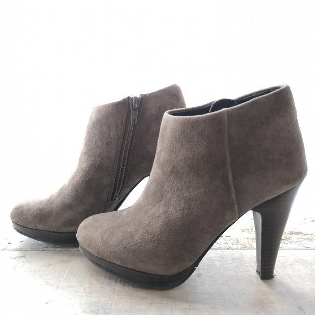 Odette e Odile(オデットエオディール)のグレー ブーティー レディースの靴/シューズ(ブーティ)の商品写真