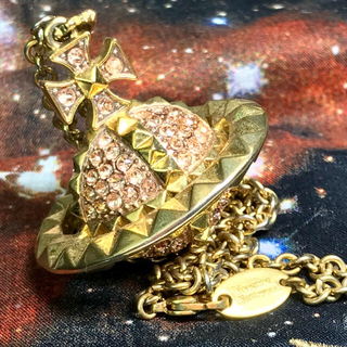 ヴィヴィアンウエストウッド(Vivienne Westwood)のヴィヴィアン ピンク ゴールド ネックレス(ネックレス)