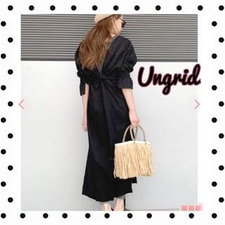 アングリッド(Ungrid)のUngrid アングリッド バックデザインワンピース 黒/スリットワンピース(ロングワンピース/マキシワンピース)