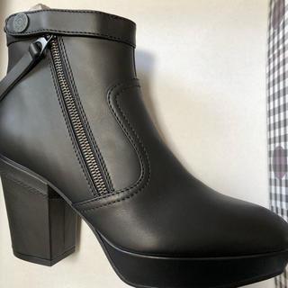 アクネ(ACNE)のAcne studios イタリア製ショートブーツ 新品未使用(ブーツ)