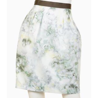 ジャスグリッティー(JUSGLITTY)のJUSGLITTY NEWニュアンスフラワータイトスカート サイズ0 カーキ(ミニスカート)