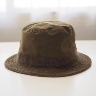 ビームス(BEAMS)のカーキ色の帽子(ハット)