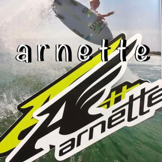 アーネット(Arnette)のarnetteアーネットUS限定bigロゴウイング型抜ステッカーblack(サーフィン)
