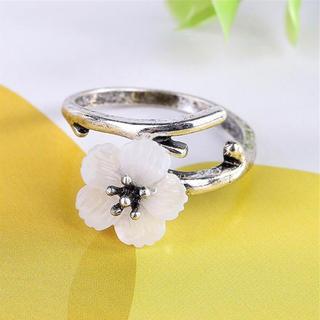 特価!桜のリング ポップ系ワンポイント 10、11号相当(リング(指輪))