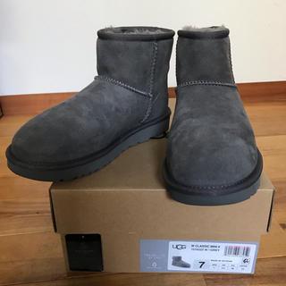 アグ(UGG)の【美品】UGG クラシックミニ2 グレー 24(ブーツ)