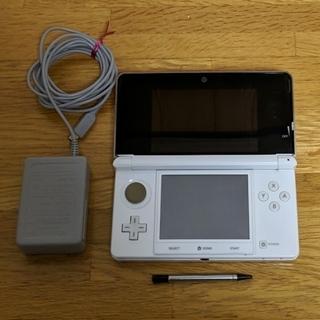 ニンテンドー3DS(ニンテンドー3DS)のリバティ様専用です。任天堂3DS 本体+タッチペン+充電器(携帯用ゲーム機本体)