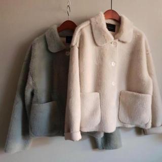 ディーホリック(dholic)の韓国 ファー コート ボア 白 襟付き(毛皮/ファーコート)