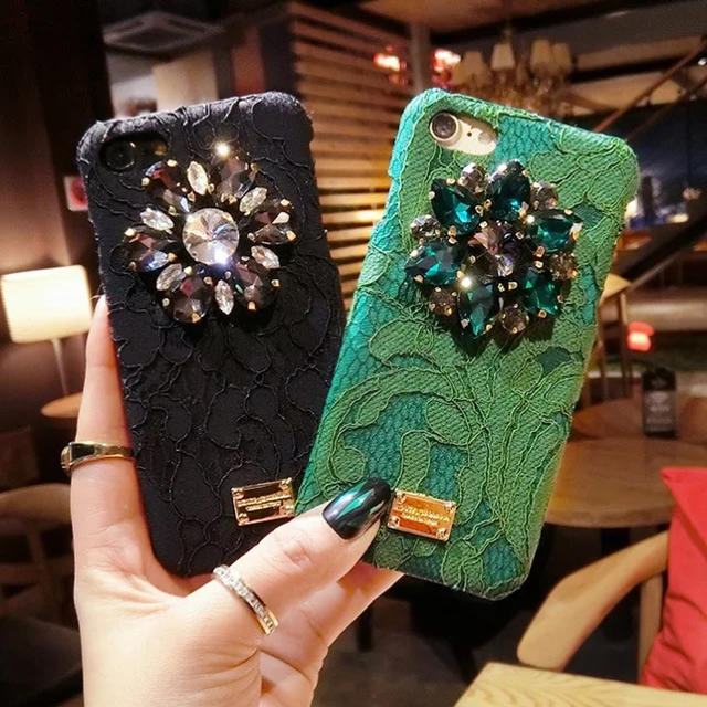 《即納☆おしゃれ》iPhone8 グリーン かわいい おしゃれ 秋冬 ビジューの通販
