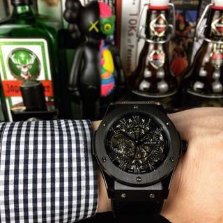 HUBLOT - ウブロ 腕時計 箱付き メンズ ブラック