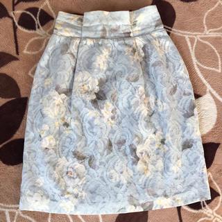 Noela - ノエラ   タイトスカート Sサイズ 花柄