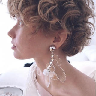 TOGA - THE Dallas clear reef earring