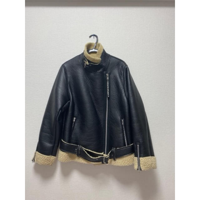 STUSSY(ステューシー)のstussy ムートンコート レディースのジャケット/アウター(ムートンコート)の商品写真