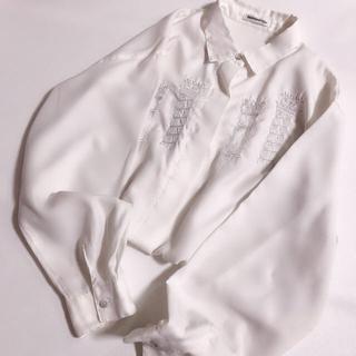 グリモワール(Grimoire)の訳あり レトロ 刺繍入り 白シャツ ブラウス シンプル アンティーク(シャツ/ブラウス(長袖/七分))