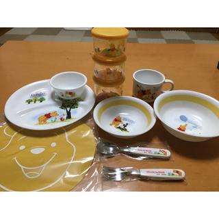 クマノプーサン(くまのプーさん)の新品 ベビー 赤ちゃん用 食器 プーさん 離乳食 食器セット(離乳食器セット)