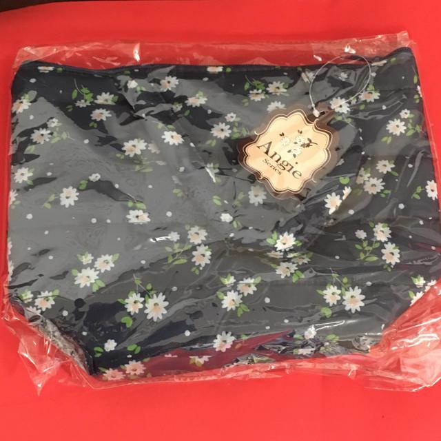 しまむら(シマムラ)の新品未使用 ふかふかトートバッグ、軽量、花柄 レディースのバッグ(トートバッグ)の商品写真