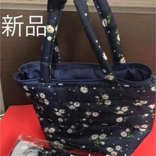 しまむら - 新品未使用 ふかふかトートバッグ、軽量、花柄