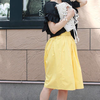 サルース(salus)の新品 salus フレアスカート 黄色 ブランド 秋 冬 タイト ミモレ ロング(ロングスカート)