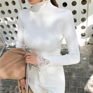Lily Brown - レースネックセーター(ホワイト)
