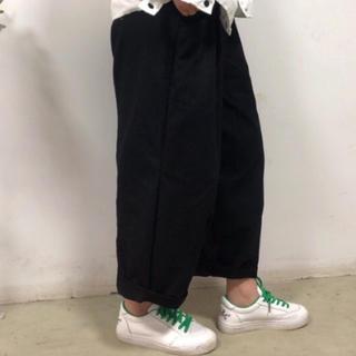 ズボン 黒【未使用】(カジュアルパンツ)