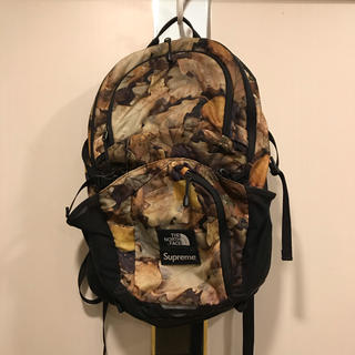 Supreme - Pocono Backpack Leaves  supreme