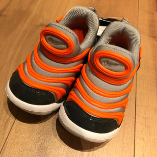 ナイキ ダイナモ フリー 子供靴