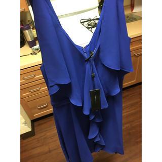 ビーシービージーマックスアズリア(BCBGMAXAZRIA)のBCBGドレス新品未使用(ひざ丈ワンピース)