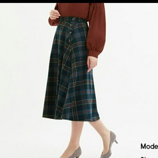 GU - 新品、チェックフレアミディスカート