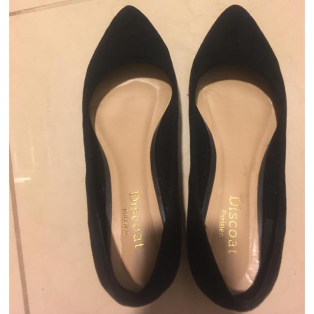Discoat(ディスコート)のスェード ブラック パンプス 22〜22.5 レディースの靴/シューズ(ハイヒール/パンプス)の商品写真