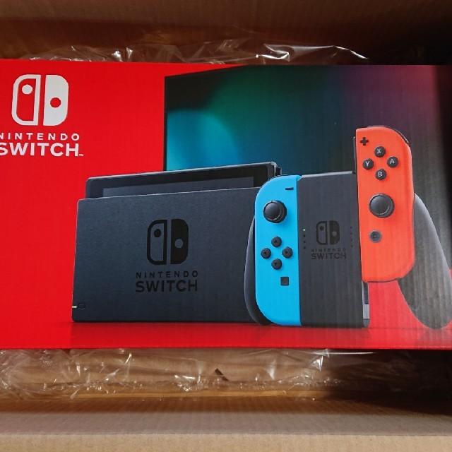 Nintendo Switch(ニンテンドースイッチ)のニンテンドースイッチ 本体 新型  エンタメ/ホビーのゲームソフト/ゲーム機本体(家庭用ゲーム機本体)の商品写真