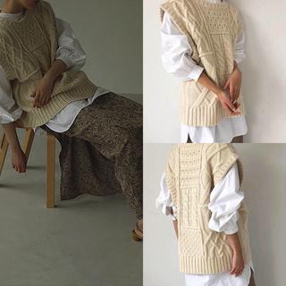 トゥデイフル(TODAYFUL)のtodayful Cable Knit Vest エクリュ(ベスト/ジレ)