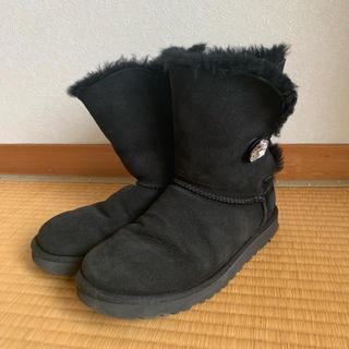 アグ(UGG)のUGG アグ ベイリーボタン ブリング ショート ブラック 黒 スワロフスキー(ブーツ)