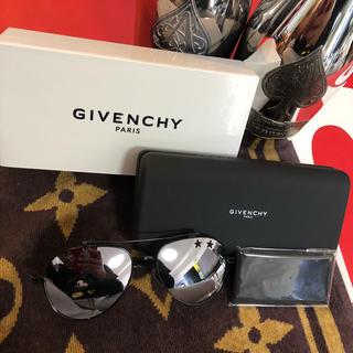 ジバンシィ(GIVENCHY)のGIVENCHY サングラス 新品未使用品(サングラス/メガネ)