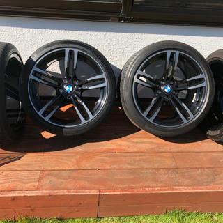 ビーエムダブリュー(BMW)の【美品】フロントタイヤ新品 ★BMW M3 M4 F80 F82純正★4本セット(タイヤ・ホイールセット)
