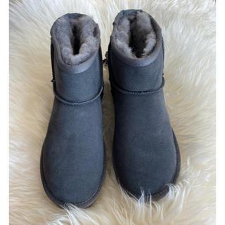 アグ(UGG)の★新品(タグ付)★最新作UGG3種付け替えピン付ブーツ撥水加工♢1点物(ブーツ)