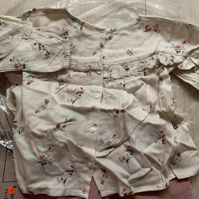NEXT(ネクスト)の花柄バンビフリルブラウス&パンツセット キッズ/ベビー/マタニティのベビー服(~85cm)(シャツ/カットソー)の商品写真