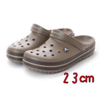 crocs - 新品 23㎝ クロックス クロックバンド カーキ