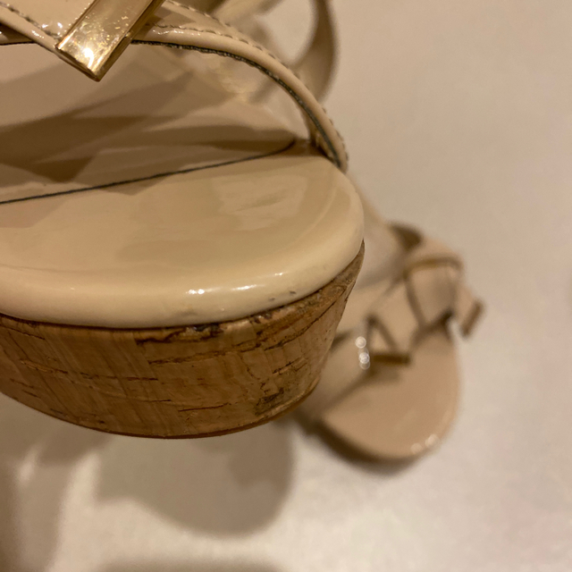 Bridget Birkin(ブリジットバーキン)のエナメルリボン ウェッジサンダル レディースの靴/シューズ(サンダル)の商品写真