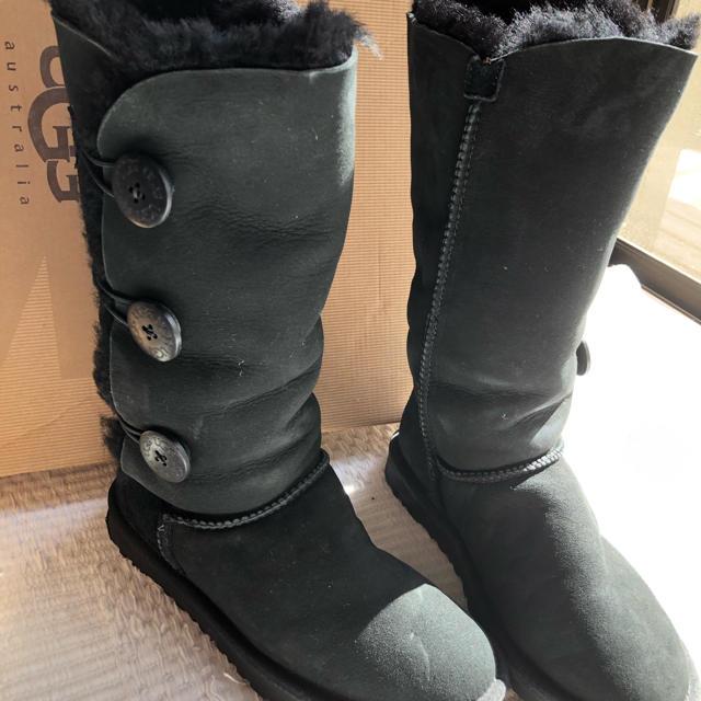 UGG(アグ)のUGG ロングブーツ 24.0cm 黒 ボタン レディースの靴/シューズ(ブーツ)の商品写真