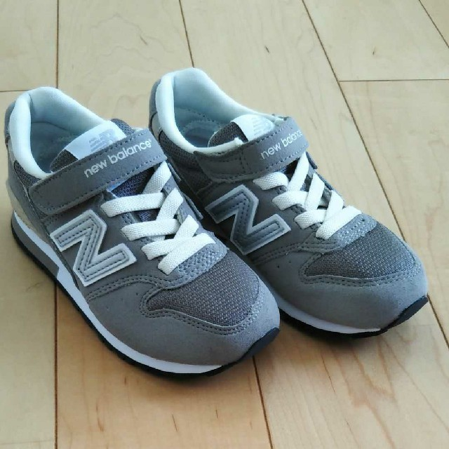 New Balance(ニューバランス)のニューバランス キッズ スニーカー キッズ/ベビー/マタニティのキッズ靴/シューズ (15cm~)(スニーカー)の商品写真