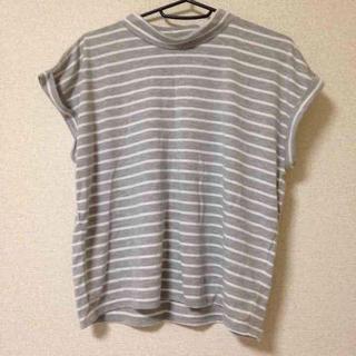 ジーユー(GU)のGU…トップス カットソー(Tシャツ(半袖/袖なし))