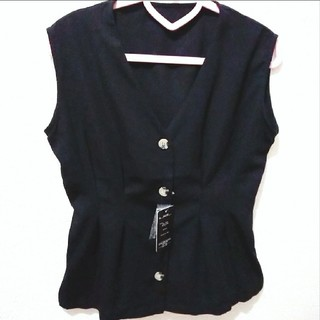 アベイル(Avail)の新品 Avail 前ボタン ノースリーブ ブラウス♥️L GU(シャツ/ブラウス(半袖/袖なし))