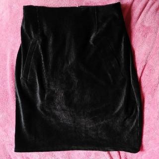 ティティアンドコー(titty&co)の黒 ベロアタイトスカート(ひざ丈スカート)