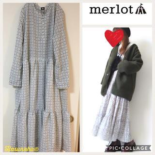merlot - 【新品】merlot ミニフラワー 大人可愛いロングワンピース
